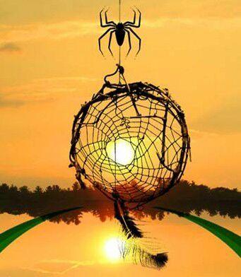 iktomi espírito mágico em forma de aranha confeccionando um filtro dos sonhos no por do sol